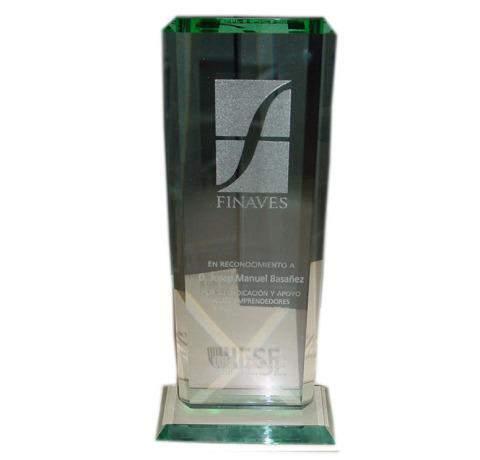 Trofeo en cristal con grabación láser