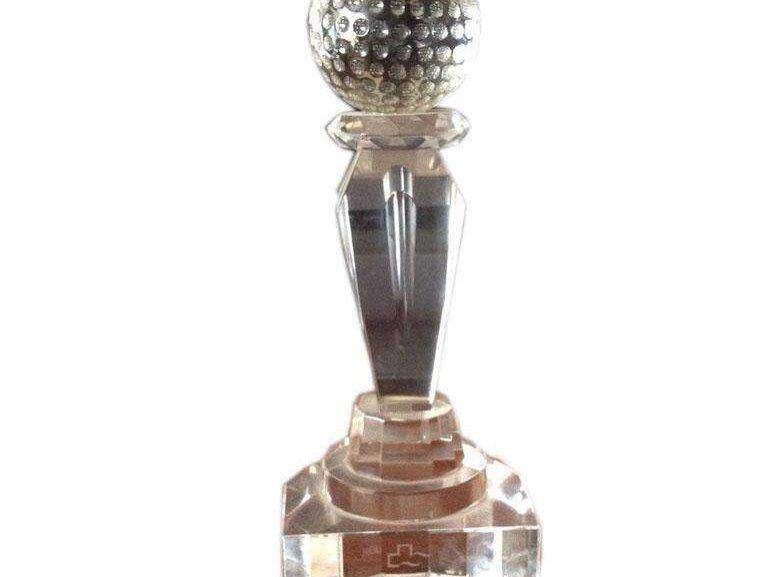 Trofeo golf en cristal grabado en láser