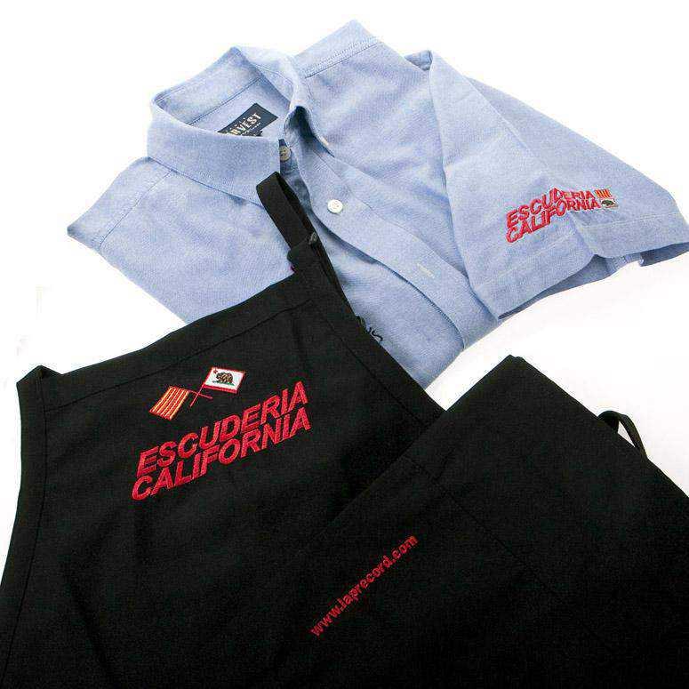 Uniformidad, camisa y delantal para escudería