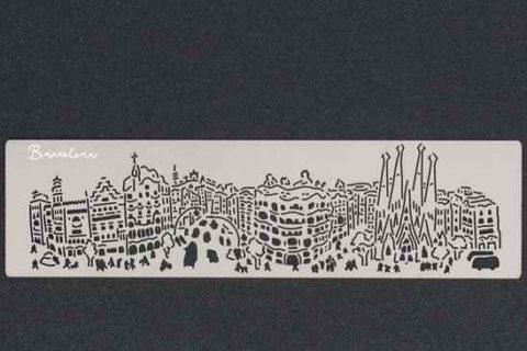 Punto de libro skyline Gaudí en Barcelona